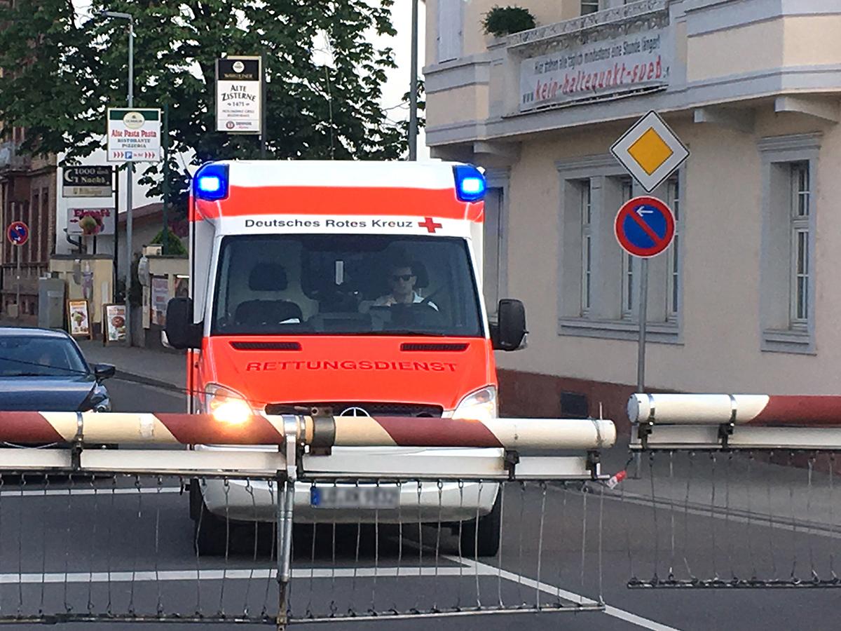 Rettungsdienst vor BÜ 02